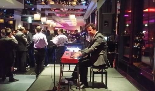 Jan          - Pianist / Singer
