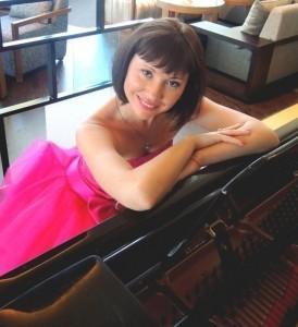 Yuliya - Pianist / Keyboardist