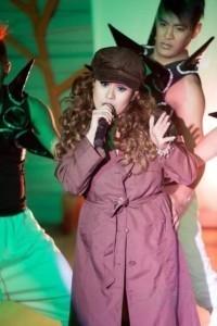 Chelou - Female Singer
