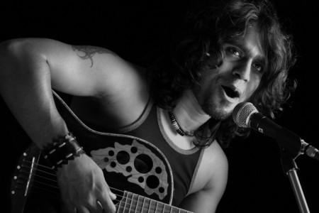 N-Roque - Guitar Singer