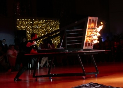 Matthew McGurk - Illusionist - Stage Illusionist