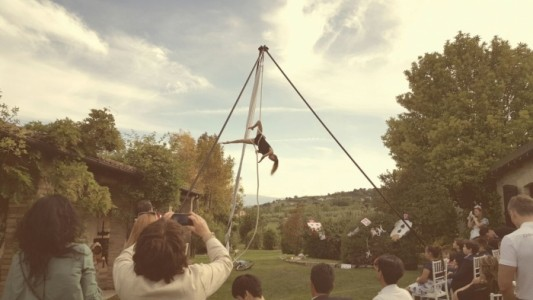 Sara Speranza - Aerialist / Acrobat