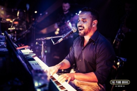Alan Taemur - Pianist / Singer