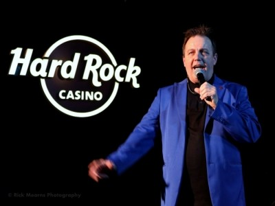 Chris Yuill - Cabaret Magician