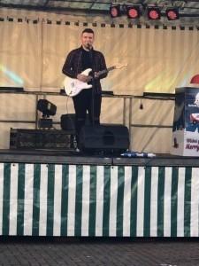 Reece barker  - Male Singer