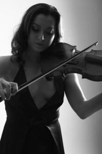 Lucy Johnston Jones - Violinist