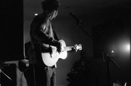 Michael-James - Guitar Singer