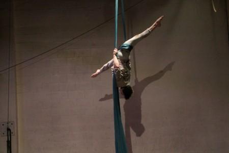 Lyn Vert - Aerialist / Acrobat