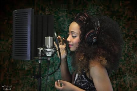 Natercia Pintor - Female Singer