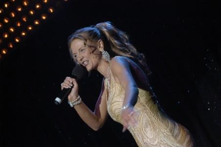 SARAH DENNIS  - Female Singer