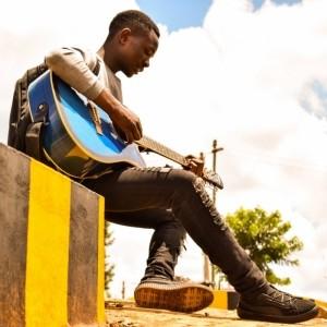 Ethan Muziki - Acoustic Guitarist / Vocalist
