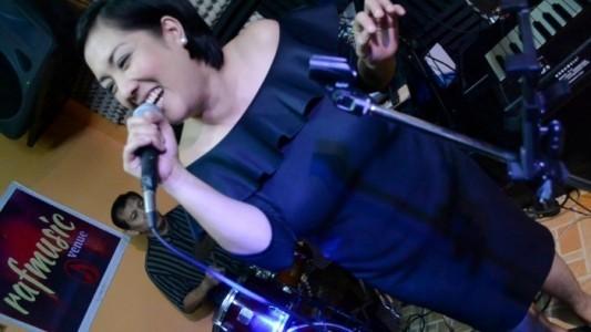 Reynaldo A.Francia - Cover Band