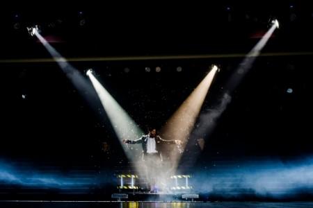 DC Magic & Laser  - Stage Illusionist