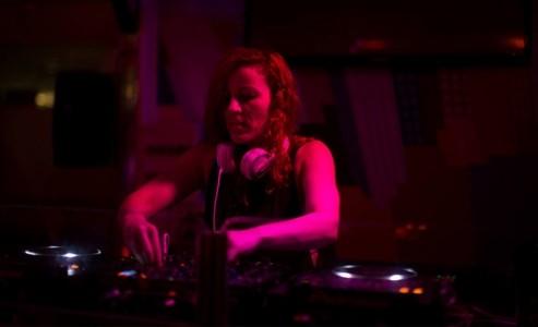 LIV BAST - Nightclub DJ
