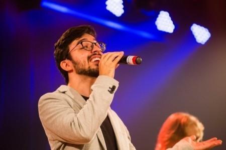 Jônatas Souza - Male Singer