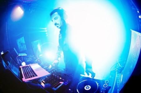Dj Mark Lewis - Nightclub DJ