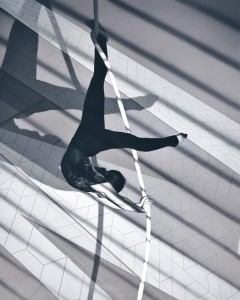 Yuliya Vokueva - Aerialist / Acrobat