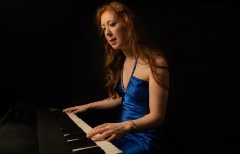 Amore Music - Pianist / Keyboardist