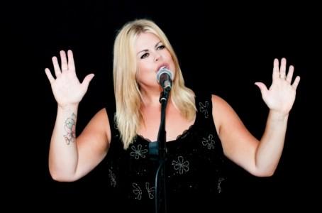 Cheryl King - Female Singer