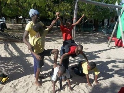 AFRO JUNGLE JEEGS ACROBATS image