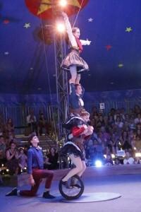 Lyla Goldman - Aerialist / Acrobat