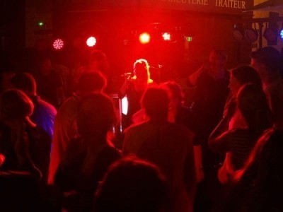 The Candies Trio - Female Singer