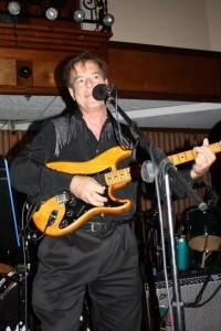 Dennis Zeppenfeldt - Guitar Singer