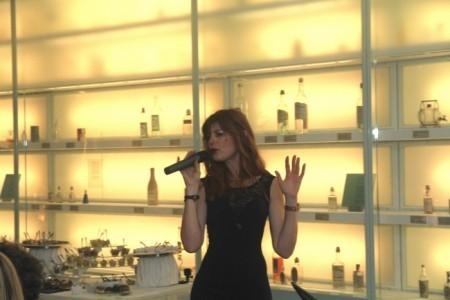 Andjy Farell - Female Singer