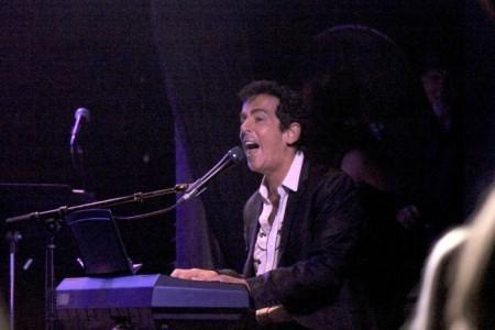 GARY PICKUS - Pianist / Singer