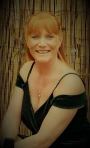 Sandy Sings - Female Singer