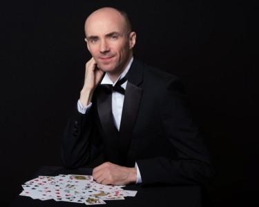Caspar Thomas - Close-up Magician
