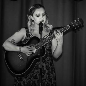 Alisha Fraser-Shanley - Guitar Singer