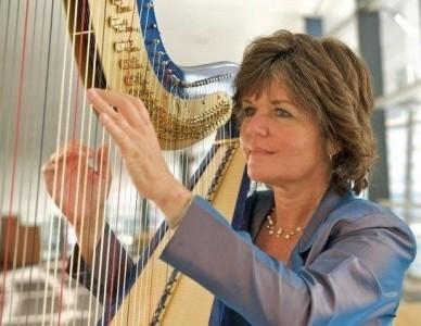 Vanessa McKeand - Harpist
