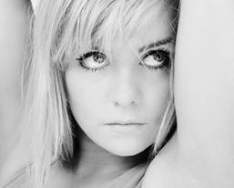 Lucie Howells - Female Singer