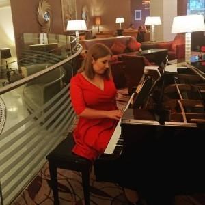 Alina Piano  - Pianist / Keyboardist