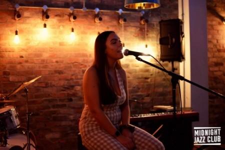 Hannah Mac - Female Singer