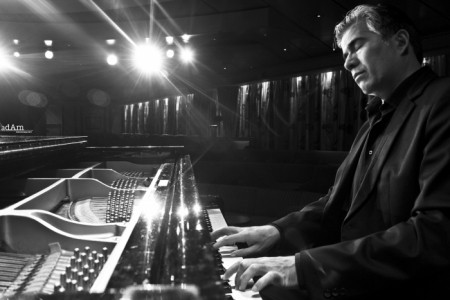 Ruben Ramos, Headline Argentinian - Italian Pianist entertainer and Tango Performer based in Greece. - Pianist / Keyboardist