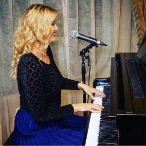Gemma Rose - Female Singer
