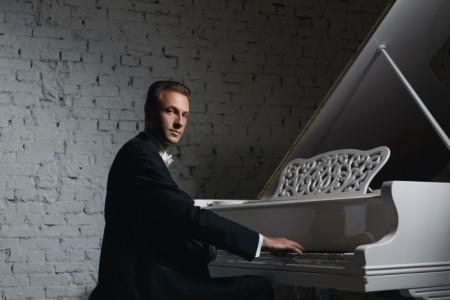Max Shorenkov - Pianist / Keyboardist
