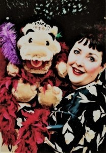 Miss Merlynda - Ventriloquist - Puppeteer - Mix and Mingle & Street Ventriloquist - Marionette Acts - Punch and Judy Puppet Shows - Puppeteer