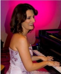 Marina Matolic - Pianist / Keyboardist