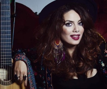 Josephine Phoenix - Female Singer