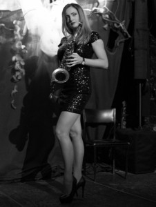 MAGDA Female singer&saxophone player - Female Singer