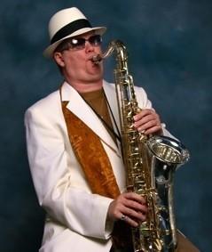 MichaelAndMike.com - Saxophonist