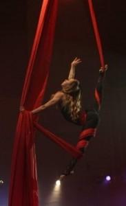 Milena Oksanen - Aerialist / Acrobat