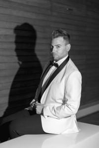 Julio de la Vega  - Male Singer