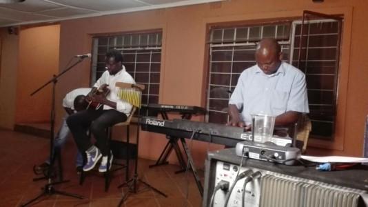 Brooks - Pianist / Keyboardist