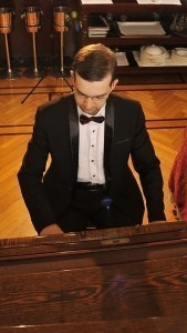 Anton Kondus - Pianist / Keyboardist
