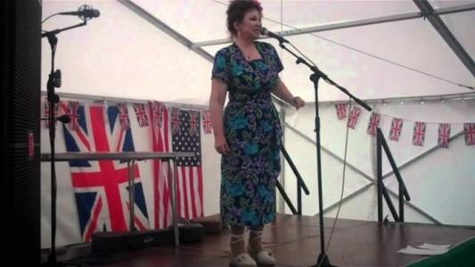 Lilli De Carlo aka Beverley Alexander - Female Singer