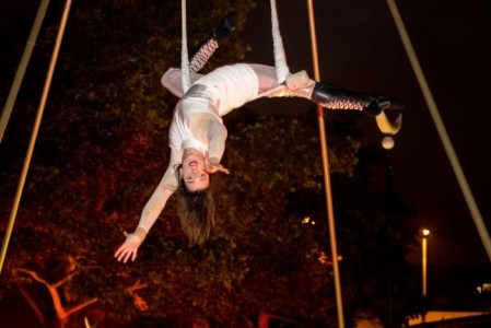 Jess O'Connor - Aerialist / Acrobat